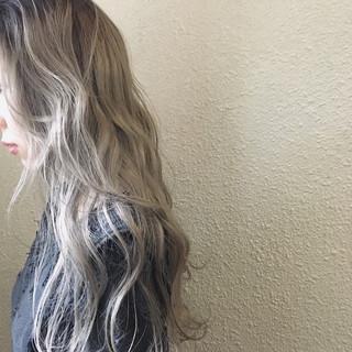 モード 結婚式 ウェーブ アッシュ ヘアスタイルや髪型の写真・画像