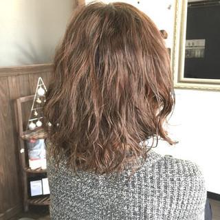 ミディアム 簡単 ナチュラル ゆるふわ ヘアスタイルや髪型の写真・画像