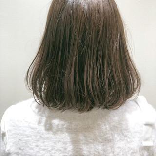 アディクシーカラー 切りっぱなしボブ ナチュラル アッシュベージュ ヘアスタイルや髪型の写真・画像