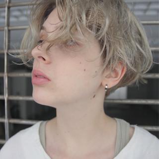 外国人風 アンニュイ 秋 パーマ ヘアスタイルや髪型の写真・画像 ヘアスタイルや髪型の写真・画像