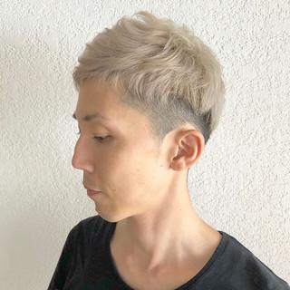 ホワイト ショート ストリート メンズショート ヘアスタイルや髪型の写真・画像