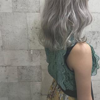 外国人風カラー ブリーチ エレガント ホワイト ヘアスタイルや髪型の写真・画像