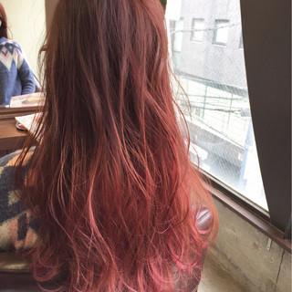 ガーリー ロング グラデーションカラー ピンク ヘアスタイルや髪型の写真・画像