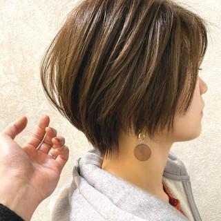 ショート 簡単スタイリング シアーベージュ ナチュラル ヘアスタイルや髪型の写真・画像