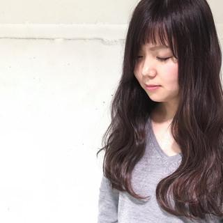 外国人風 ハイライト 暗髪 波ウェーブ ヘアスタイルや髪型の写真・画像