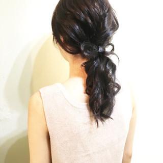 ミディアム ローポニーテール ヘアアレンジ ポニーテール ヘアスタイルや髪型の写真・画像 ヘアスタイルや髪型の写真・画像