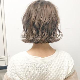 ボブ デート 簡単ヘアアレンジ フェミニン ヘアスタイルや髪型の写真・画像