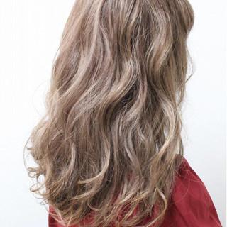 透明感 ハイライト 外国人風 ハイトーン ヘアスタイルや髪型の写真・画像
