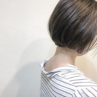 色気 ボブ ナチュラル アッシュベージュ ヘアスタイルや髪型の写真・画像 ヘアスタイルや髪型の写真・画像
