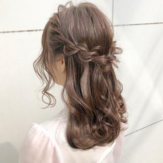 アウトドア ヘアアレンジ ナチュラル 結婚式 ヘアスタイルや髪型の写真・画像