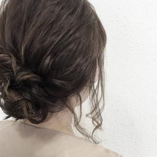 ヘアアレンジ 大人かわいい 二次会 セミロング ヘアスタイルや髪型の写真・画像