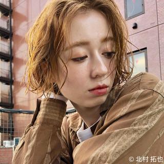ハイトーンカラー シアーベージュ アンニュイ 透明感カラー ヘアスタイルや髪型の写真・画像