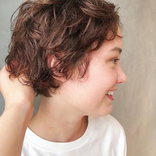 小顔 マッシュ ショートバング ナチュラル ヘアスタイルや髪型の写真・画像