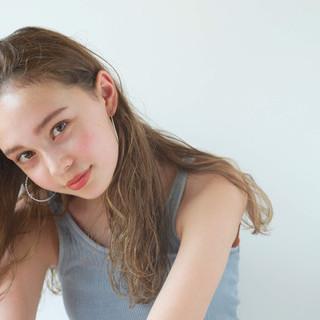 夏 ナチュラル ロング ハイライト ヘアスタイルや髪型の写真・画像