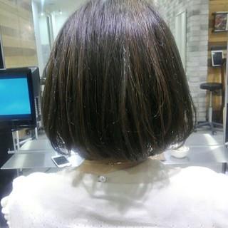 アッシュ 秋 前髪あり ナチュラル ヘアスタイルや髪型の写真・画像