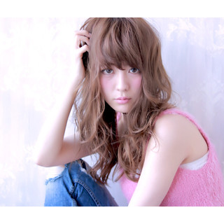 外国人風 レイヤーカット 大人かわいい ロング ヘアスタイルや髪型の写真・画像