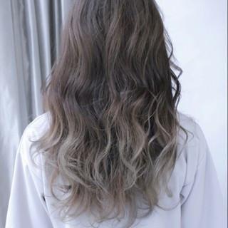 ロング 外国人風 グラデーションカラー ストリート ヘアスタイルや髪型の写真・画像 ヘアスタイルや髪型の写真・画像