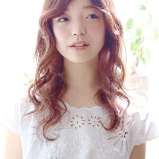 前髪あり ガーリー 外国人風 ゆるふわ ヘアスタイルや髪型の写真・画像