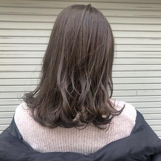 アッシュグレージュ アッシュベージュ セミロング ガーリー ヘアスタイルや髪型の写真・画像 ヘアスタイルや髪型の写真・画像
