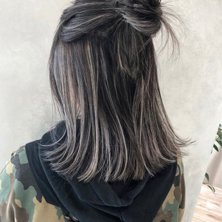 ハイライト グレージュ ストリート 外国人風カラー ヘアスタイルや髪型の写真・画像 ヘアスタイルや髪型の写真・画像