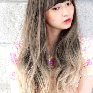ロング ナチュラル グラデーションカラー 外国人風 ヘアスタイルや髪型の写真・画像