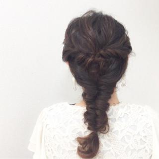大人かわいい ヘアアレンジ ロング フィッシュボーン ヘアスタイルや髪型の写真・画像 ヘアスタイルや髪型の写真・画像