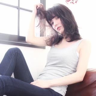 ハイライト グレージュ グラデーションカラー ゆるふわ ヘアスタイルや髪型の写真・画像