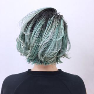 ボブ グラデーションカラー グリーン ニュアンス ヘアスタイルや髪型の写真・画像 ヘアスタイルや髪型の写真・画像