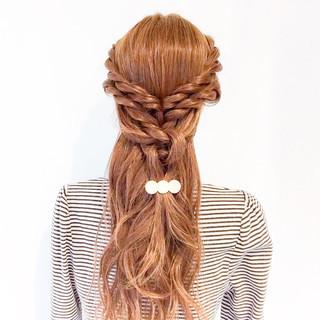 フェミニン ヘアアレンジ ロング 大人女子 ヘアスタイルや髪型の写真・画像