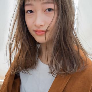 ナチュラル 前髪あり パーマ 外国人風 ヘアスタイルや髪型の写真・画像