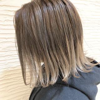 前下がりボブ ショートヘア ストリート 外ハネボブ ヘアスタイルや髪型の写真・画像