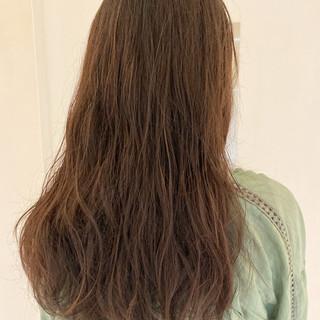 ロング ナチュラル ゆるふわパーマ 無造作パーマ ヘアスタイルや髪型の写真・画像