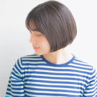 フェミニン 前髪あり ナチュラル オフィス ヘアスタイルや髪型の写真・画像