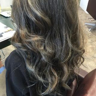ロング 3Dカラー 外国人風カラー ナチュラル ヘアスタイルや髪型の写真・画像