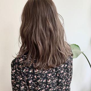 ヌーディーベージュ ナチュラルベージュ グラデーションカラー アッシュベージュ ヘアスタイルや髪型の写真・画像