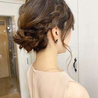 編み込み ナチュラル シニヨン 簡単ヘアアレンジ ヘアスタイルや髪型の写真・画像