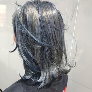 ネイビーブルー 3Dハイライト ホワイトハイライト 大人ハイライト ヘアスタイルや髪型の写真・画像