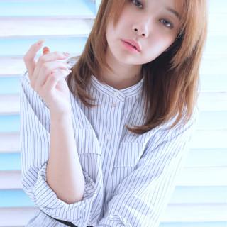 外国人風カラー ネイビーアッシュ ストレート グレージュ ヘアスタイルや髪型の写真・画像