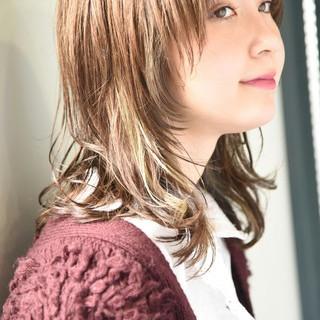 インナーカラー ミディアム ストリート マッシュ ヘアスタイルや髪型の写真・画像
