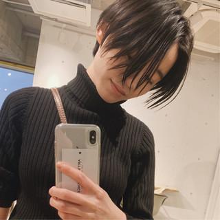マッシュショート ナチュラル 前下がりショート 黒髪 ヘアスタイルや髪型の写真・画像