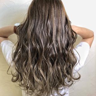 デート ナチュラル ハイライト グレージュ ヘアスタイルや髪型の写真・画像 ヘアスタイルや髪型の写真・画像