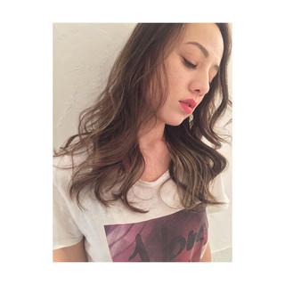 インナーカラー ロング ハイライト 外国人風カラー ヘアスタイルや髪型の写真・画像 ヘアスタイルや髪型の写真・画像