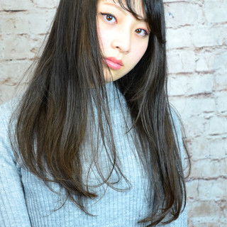 前髪あり フェミニン ナチュラル 黒髪 ヘアスタイルや髪型の写真・画像