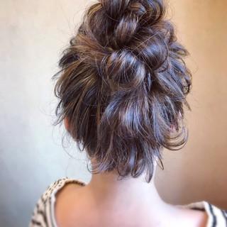 アンニュイほつれヘア エレガント お団子 簡単ヘアアレンジ ヘアスタイルや髪型の写真・画像