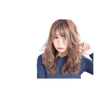 小顔 イルミナカラー ふわふわ 甘め ヘアスタイルや髪型の写真・画像