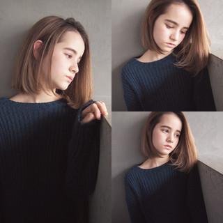 ワンレングス ストレート 色気 こなれ感 ヘアスタイルや髪型の写真・画像 ヘアスタイルや髪型の写真・画像
