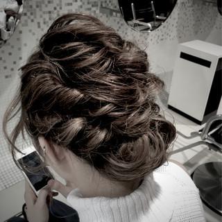 ねじり ガーリー ヘアアレンジ パーティ ヘアスタイルや髪型の写真・画像