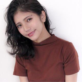 女子力 フェミニン ウェーブ オフィス ヘアスタイルや髪型の写真・画像