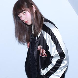 ガーリー ハイライト ダブルカラー アッシュ ヘアスタイルや髪型の写真・画像