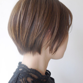アウトドア ショート フェミニン ナチュラル ヘアスタイルや髪型の写真・画像